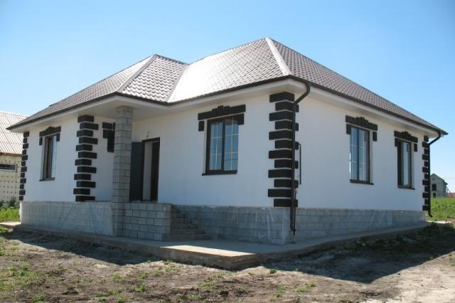 fasady-domov-foto-odnoyetazhnykh-domov-1.jpg